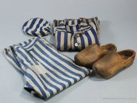 Auschwitz prisoners clothes